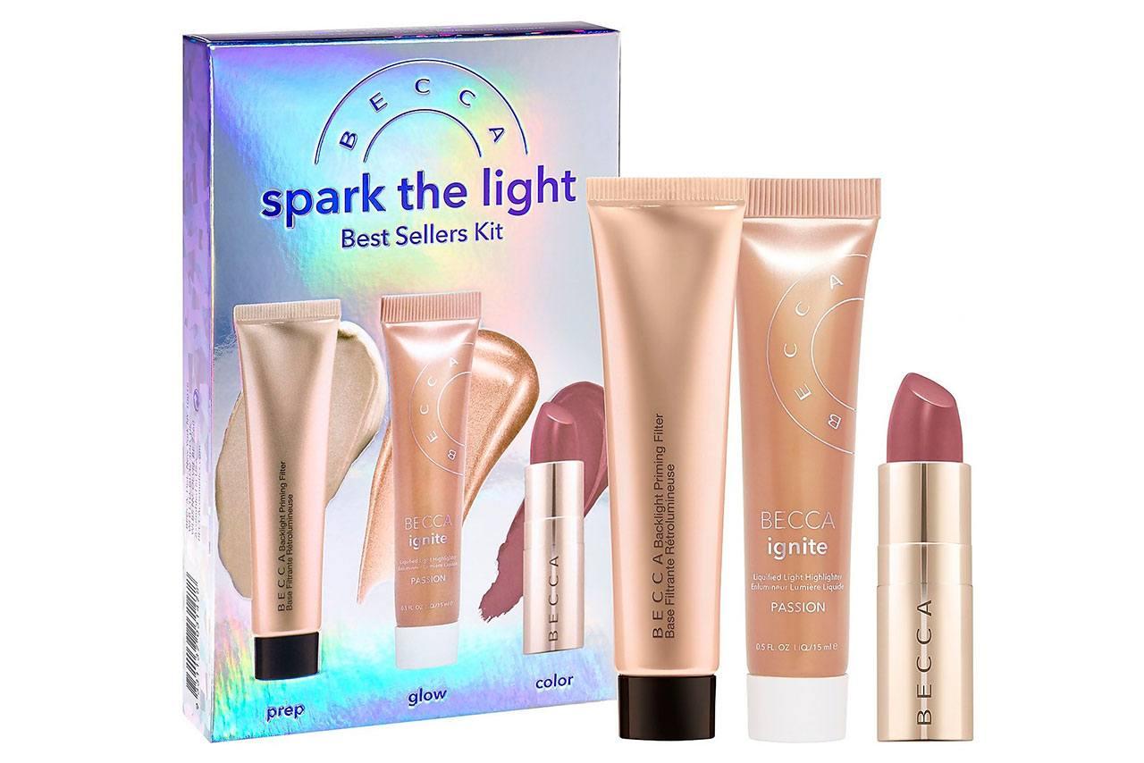 BECCA Spark The Light Best Sellers Kit - Рождественские наборы Becca 2020