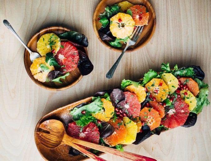 Веганский салат на Новый год: мандарины и зелень