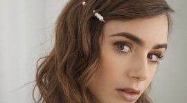 Монохромный макияж Лили Коллинз