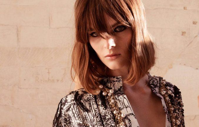Одним лайнером: макияж с показа Chanel